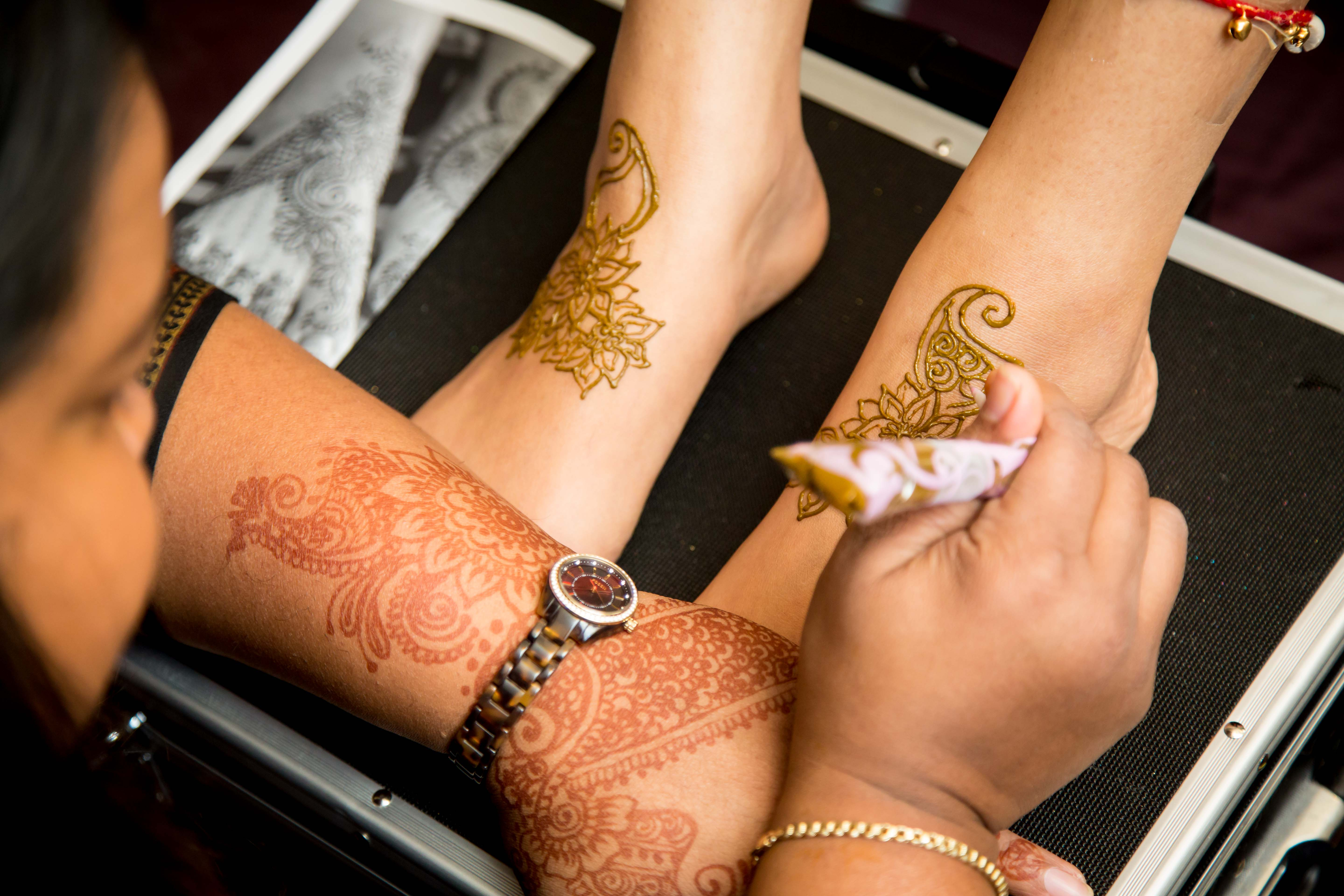 Mehndi Party List : Bridal mehndi prep and care guest post by blushing beautiful